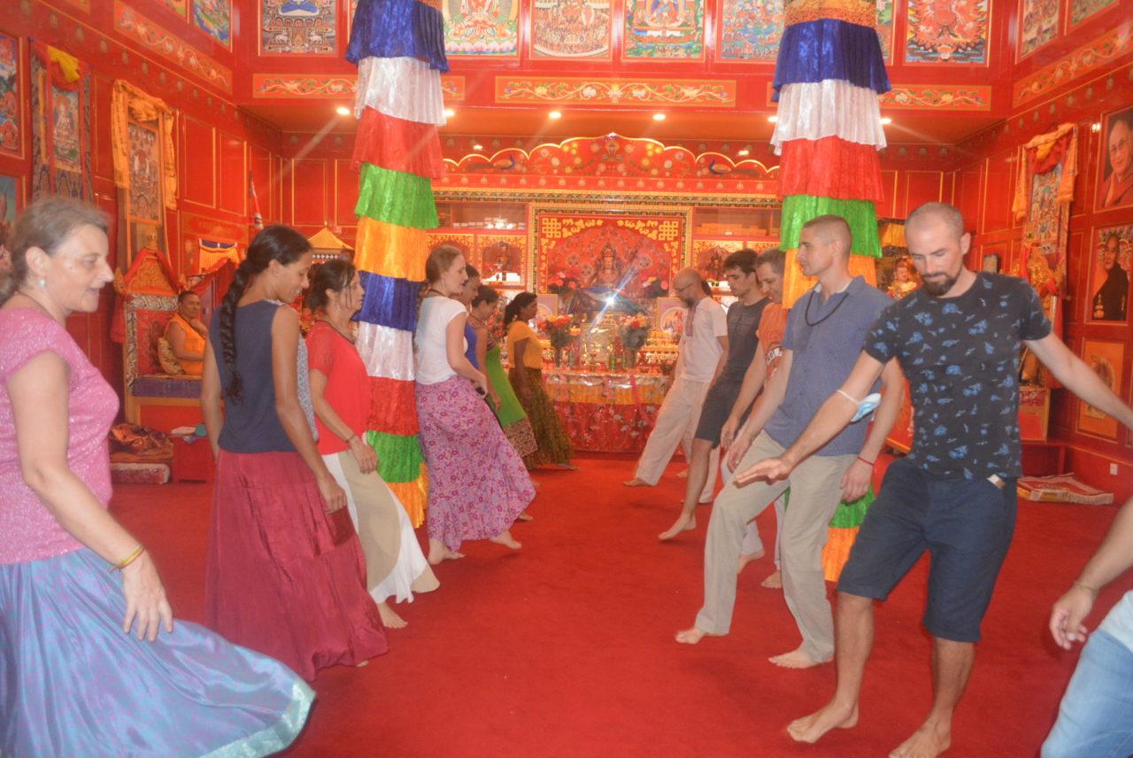 PRATIQUES MEDITATIVES - Pratique de danses sacrées